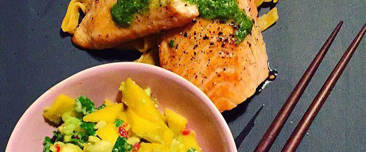 Salmalaks med gulrotpasta & mangosalsa
